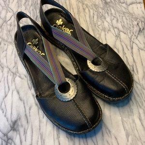 Rieker Sz 40 Black Elastic Strap Flats Sandals.